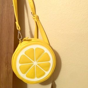 Lemon circle purse